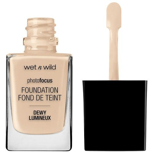 Wet n Wild Photo Focus Foundation DEWY - Soft Ivory